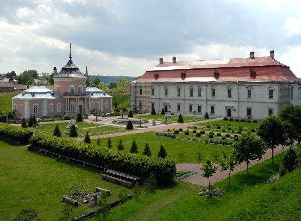 Достопримечательности и замки Львовщины